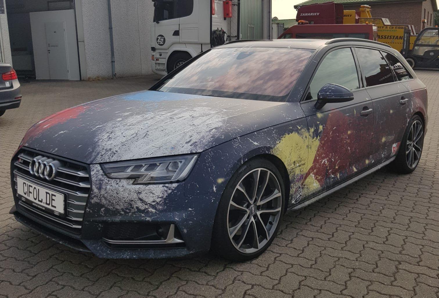 Digitaldruck auf einem Audi S4