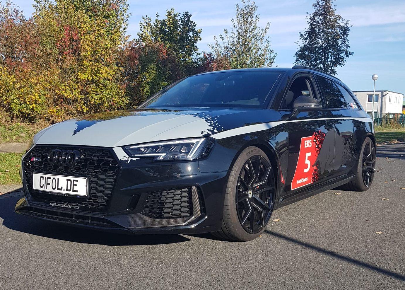 Teilfolierung und Design Audi RS4