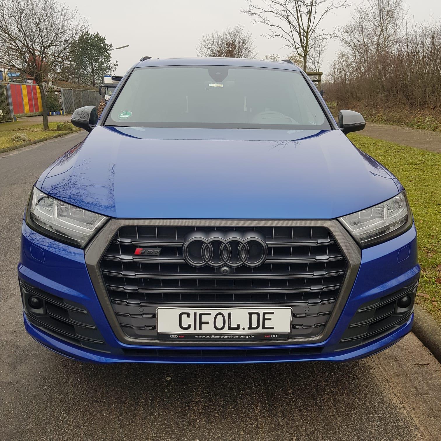 Folierung der Chromteile eines Audi SQ7