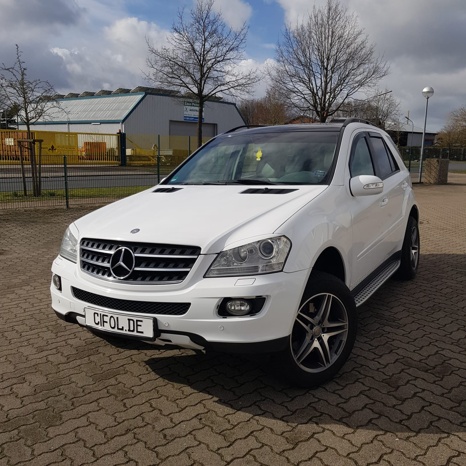 Premium Vollfolierung Mercedes ML