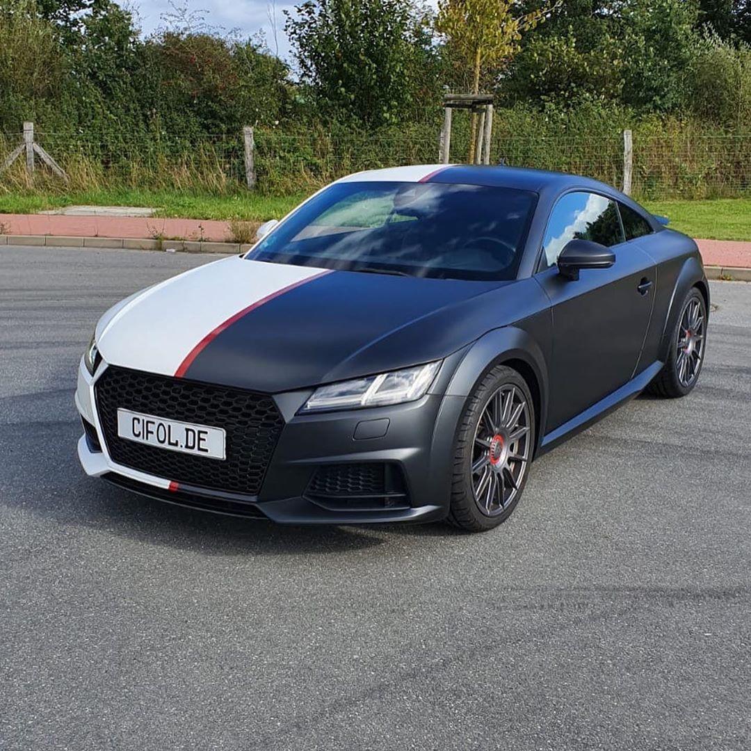 Audi TT Black & White