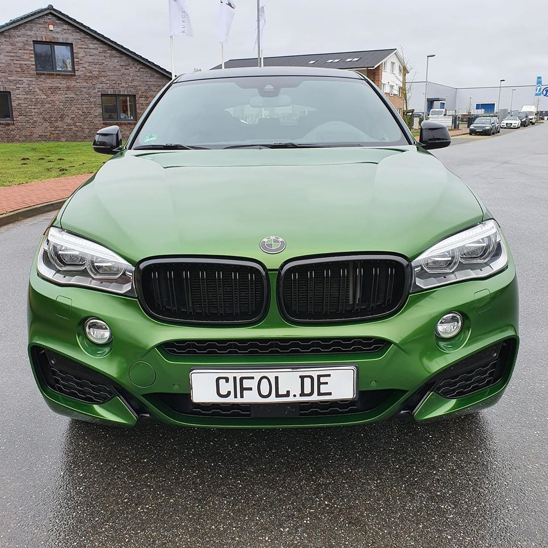 BMW X6 in Verdoro Green